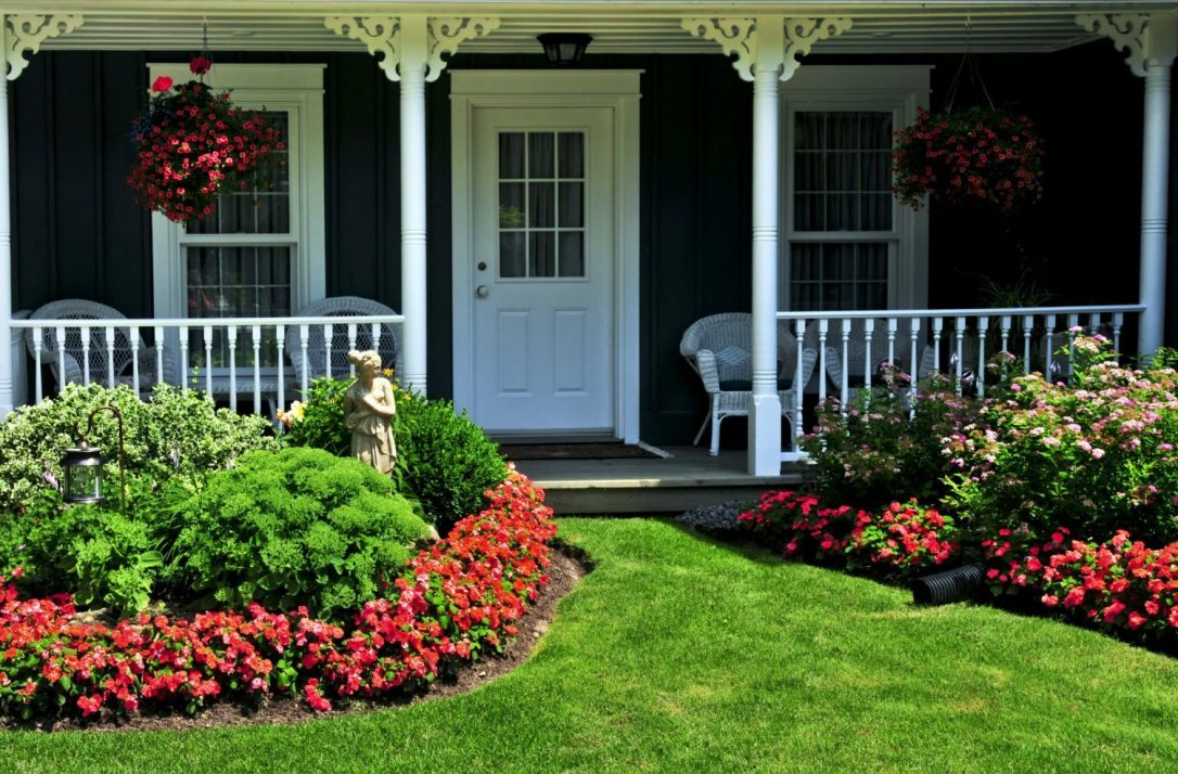 cropped-cropped-craftsman-house-with-flowers-for-spring-2017.jpg
