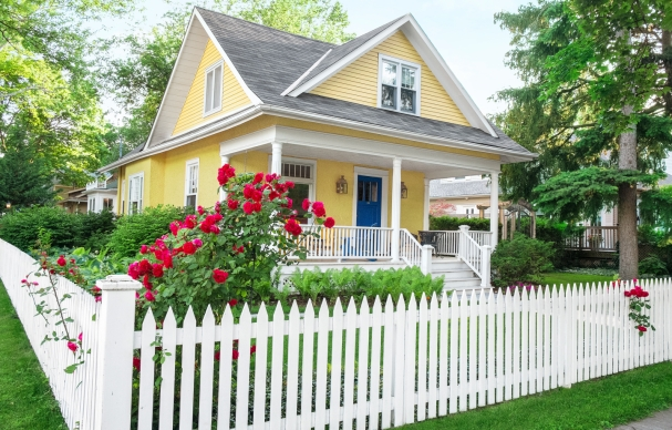 House Yellow w White Picket Fence for XPress Post Cards 06 17 19